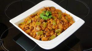 الأرز بالفاصوليا الخضراء واللحم