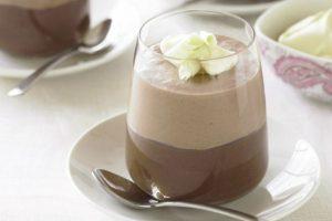 موس الشوكولا بالكريمة