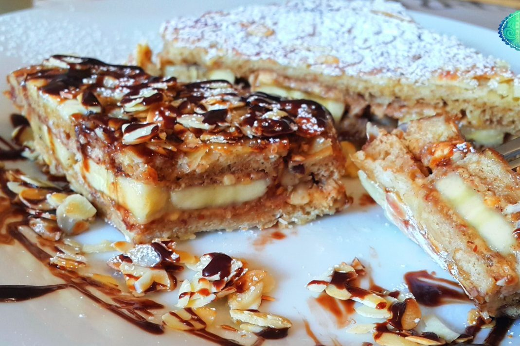 الخبز الفرنسي بالشوكولا والموز والقرفة