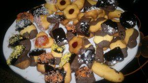 بتيفور الشوكولا المغمس والفانيليا