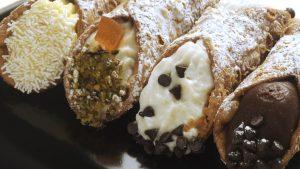 حلوى الكانولي الإيطالية