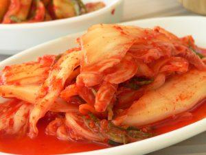 سمك الزبيدي مع صلصة الطماطم والهال