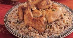 الدجاج بالصلصة الشركسية والأرز