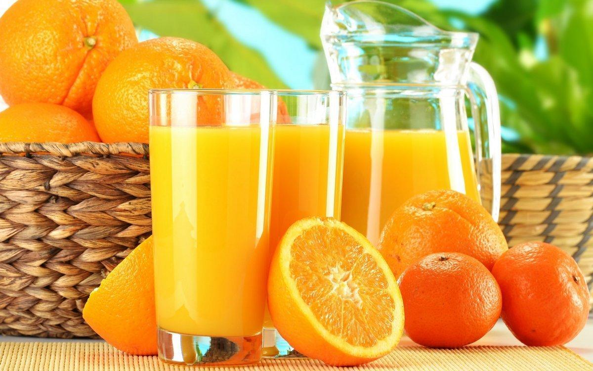 شراب البرتقال البارد