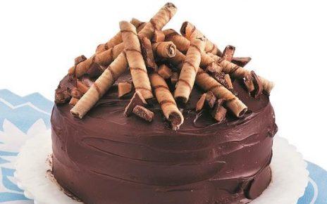 حلوى الكيك بالشوكولا والبسكويت