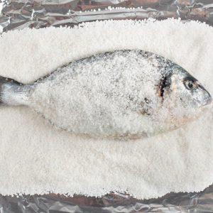 صينية السمك بالطريقة الإيطالية