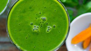 عصير المانجو الأخضر