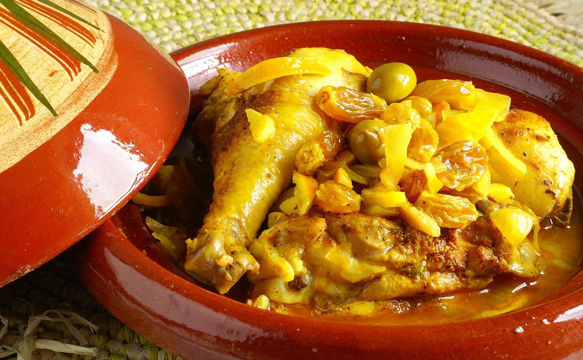 طاجن الدجاج مع البصل والزيتون