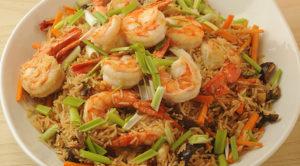 الأرز الصيني بالجمبري والخضار