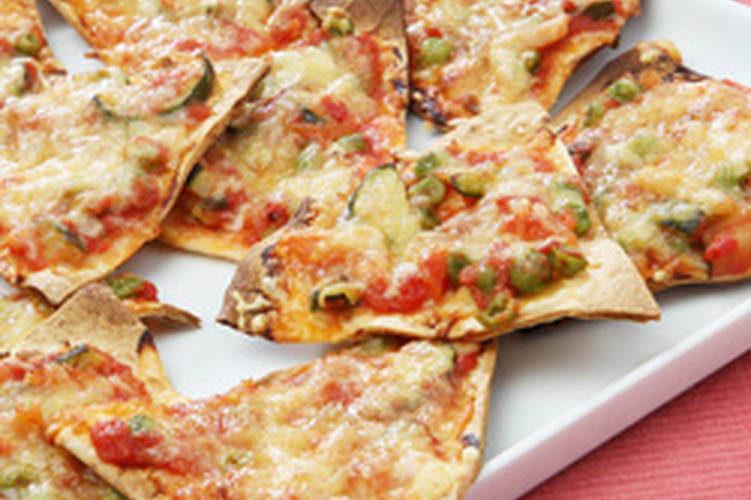 بيتزا بخبز التورتيلا