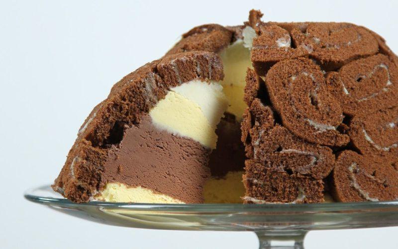 سويسرول الشوكولاته بالأيس كريم