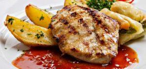 ستيك الدجاج مع الطماطم