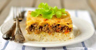 الأرز بالبشاميل واللحم