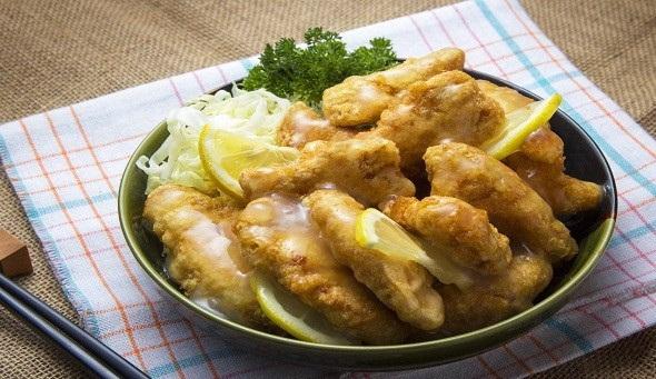 ستيك الدجاج بصوص الليمون