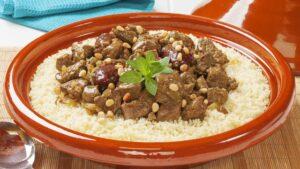 لحم مغربي بالتمر