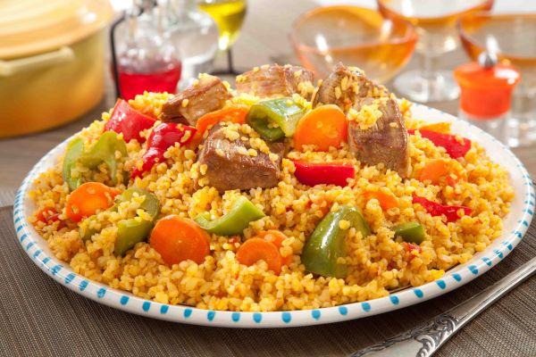 مقلوبة البرغل باللحم والخضروات