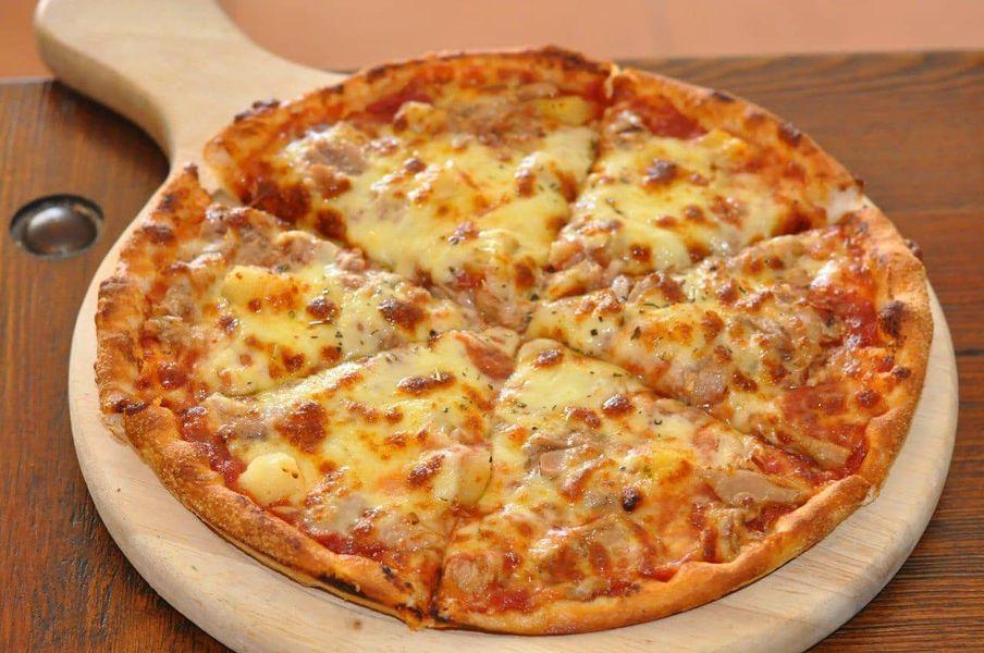 بيتزا التونة